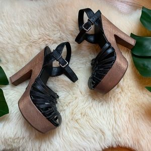 SCHUTZ💕Black Leather Strappy Wedge Wood Sandal